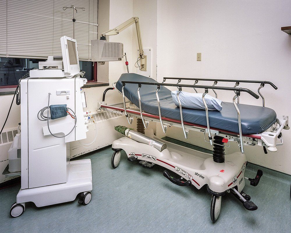 Hemodialysis Isolation Unit